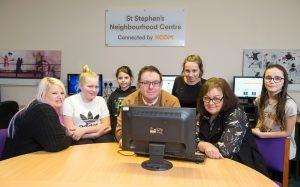 15 February 2018: IT suite at St Stephen's Neighbourhood Centre, in Annandale Road, East Hull, which has been funded by KCOM. (l-r) Jennie Mason Lead (Youth Worker), Coun Sean Chaytor and Coun Rosemary Pantelakis with some children who have been using it (l-r) Macie Edwards (11), Ruby Penn (9), Alisha Carter (13), and Rosie Asquith (10). Note: All have permission to be photographed. Picture: Sean Spencer/Hull News & Pictures Ltd 01482 210267/07976 433960 www.hullnews.co.uk         sean@hullnews.co.uk